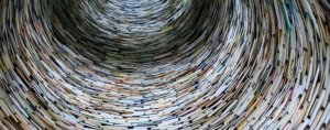 Как разместить книги на полках