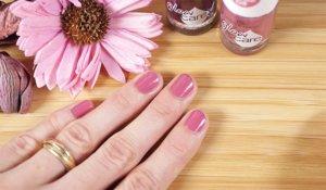 Лак на ногтях Essence Glow and Care