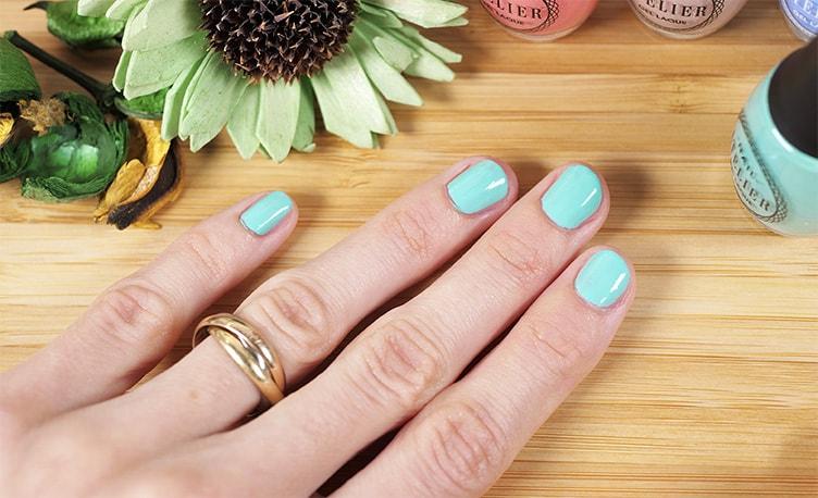 свотчи лака на ногтях Vivienne Sabo Atelier