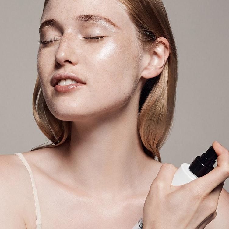 Закрепляем макияж